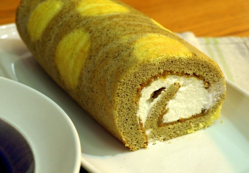 Matcha lemon roll