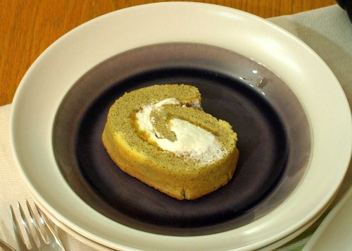 Green tea and lemon Swiss roll