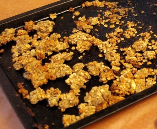 Apple granola parfait