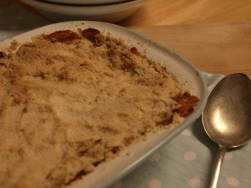 Apple and mincemeat crumble