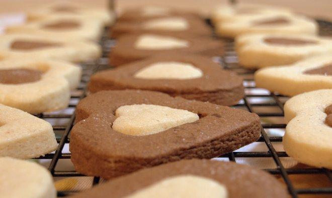 chocolate and vanilla heart cookies