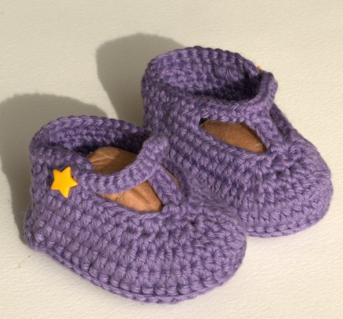Tiny crochet T-bar booties...