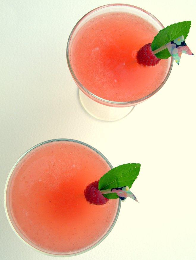 Summer blush- gin, prosecco & raspberry